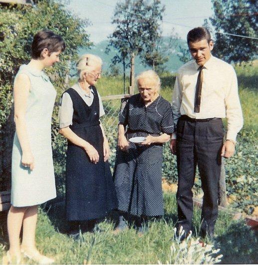Grossmutter Sturzenegger-Maier-Marlis Renk-Armin-um1966.jpg