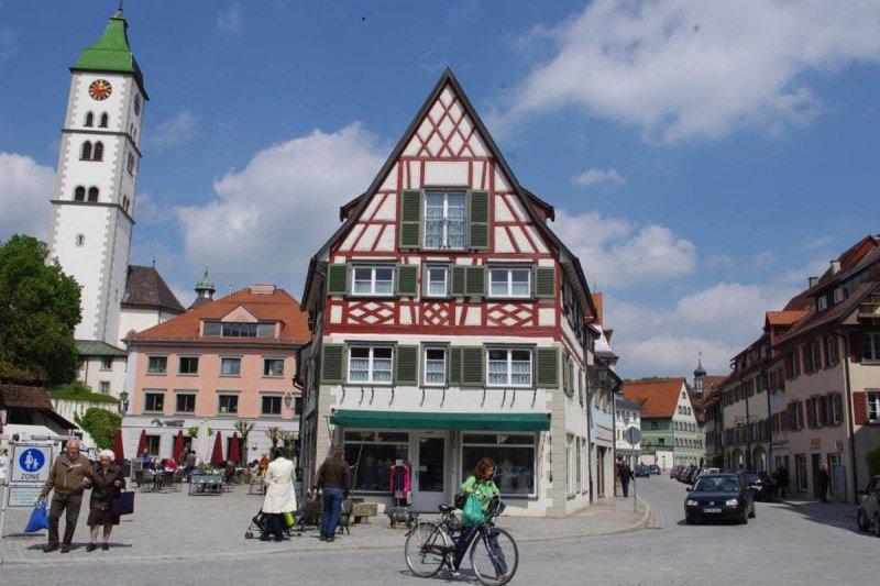 Wang-saumarkt-in-wangen-historische-altstadt_front_large