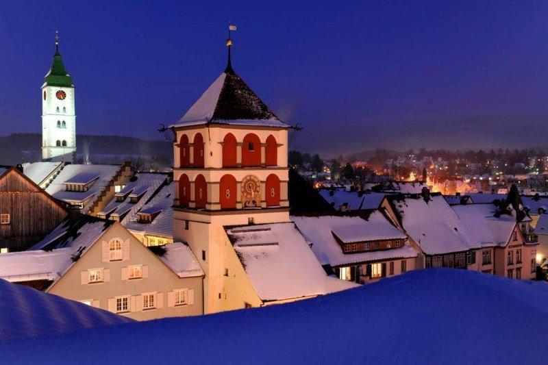Wang-winterliche-abendstimmung-in-der-altstadt-wangens_front_large-1
