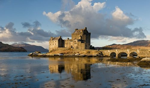 eilean_donan_castle_scotland_-_jan_2011